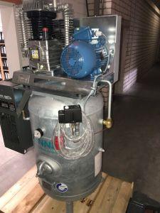 4 kW Kolbenkompressor 270 Liter Behälter Trockner RENNER RIKO 700/270 ST-KT  10 bar